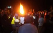 La tradicional fogata de la ISA Aloha Beach Party se mantuvo encendida hasta el fin de la noche. Foto: ISA/Quincho